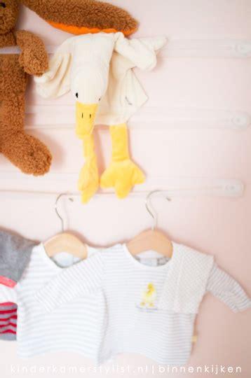 kleine babykamer meisje gordijnen kinderkamerstylist