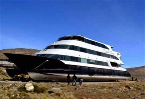 Hotel Flotante Catamaran by El Espectacular Hotel Flotante Del Socio De La Presidenta