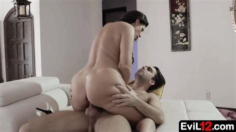 Amazing Stepmom Enjoys Passionate Sex With Horny Stepson EPORNER
