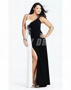 25 best images about robe de cocktail grande taille on With robe de cocktail combiné avec bracelet or coeur