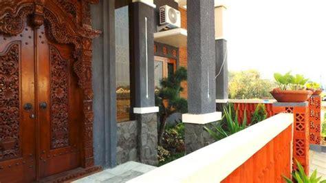 tips pilih model pintu sesuai luas tempat  konsep rumah