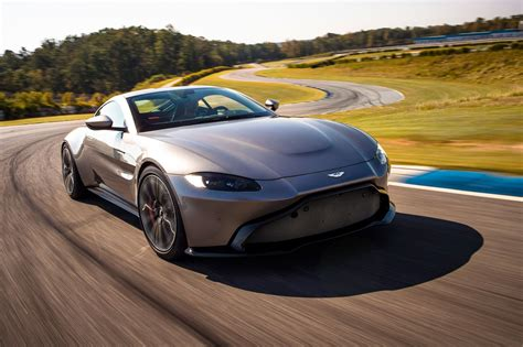 The New 2018 Aston Martin Vantage Revealed In Pictures