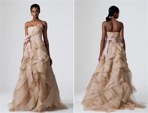 Dare To Be Different-colored Wedding Dresses