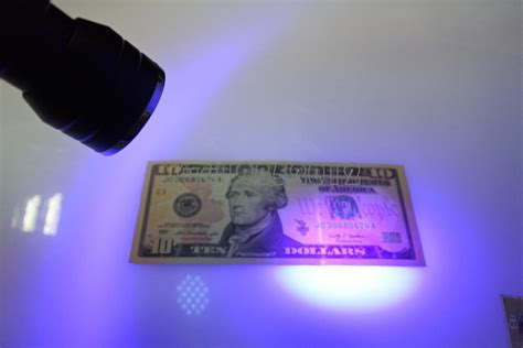UV Ultraviolet Torch Counterfeit Fake Forgery Bank Note
