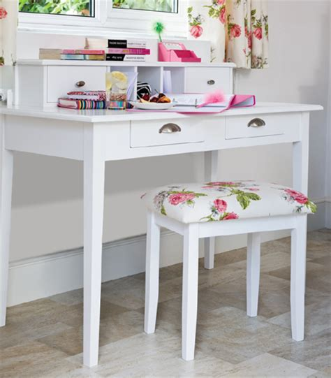 diy dressing table 12 pretty feminine diy dressing tables and vanities shelterness