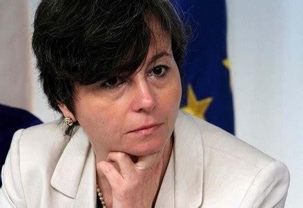 Chiara Carrozza by Unimc L Ex Ministro Carrozza Presenta I Robot E Noi