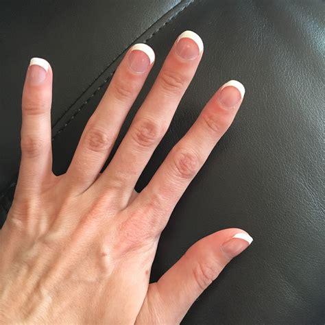 easy diy vinyl french tip manicure