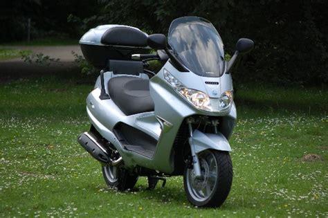 piaggio 125 roller motorroller piaggio x8 medienwerkstatt wissen 169 2006 2017 medienwerkstatt