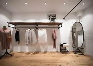 Garderobe Aus Rohren : design garderobe f r ladeneinrichtungen gemacht aus holz und rohren wasserr hren interior ~ Watch28wear.com Haus und Dekorationen