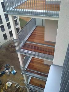 Bodenbeläge Balkon Außen : holzdielen f r balkon ro24 hitoiro ~ Lizthompson.info Haus und Dekorationen