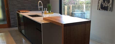 table comptoir bloc de boucher  ilot en bois massif