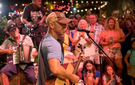 Kenny Chesney Releases Refreshing New Tune,