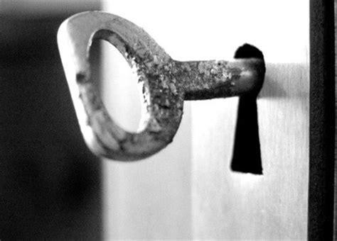 chiave porta cosa significa sognare una chiave nella toppa di una porta