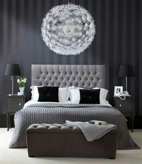 deco chambre à coucher 40 idées pour le bout de lit coffre en images