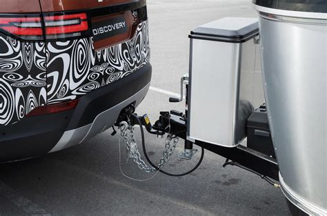 Land Rover Discovery's New Trailer Parking