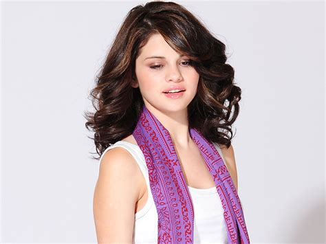 Selena Gomez Alias Alex Russo Pictures Clothing Fashion