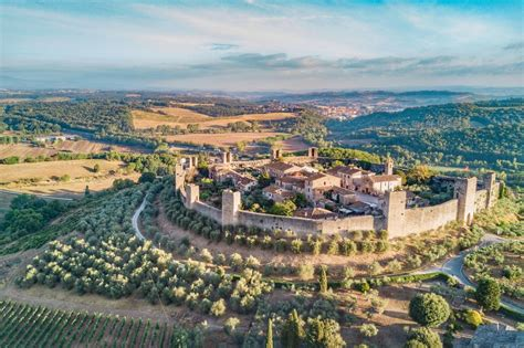The walled town of Monteriggioni Tuscany Italy | Dronestagram