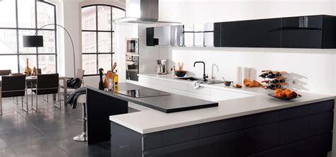 modele cuisine noir et blanc 21 idées de cuisine pour votre loft