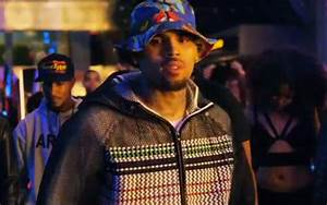 Video: Chris Brown f/ Lil Wayne & Tyga - 'Loyal' [Teaser ...