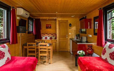 hotel avec chambre familiale location roulotte à cognac séjour insolite en poitou