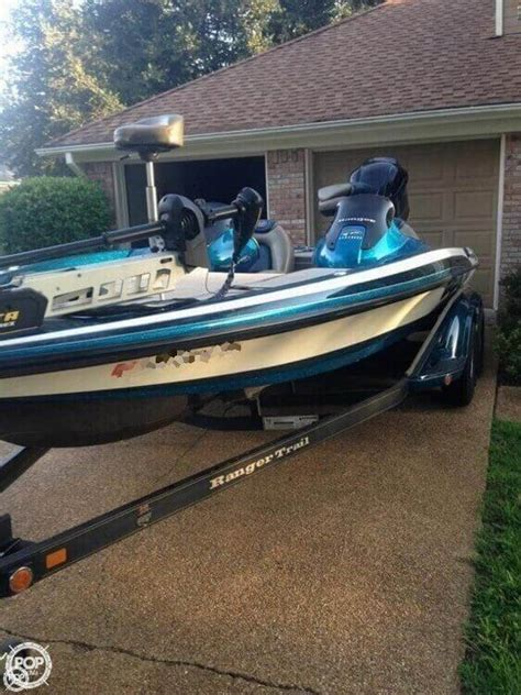 Dual Console Aluminum Fishing Boats by 25 Best Ideas About Dual Console Boat On Fish