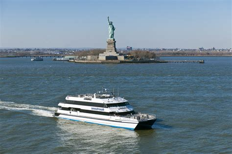 Ferry Boat Ride To Statue Of Liberty by 9 Best Boat Rides In Nyc For Kids And Families