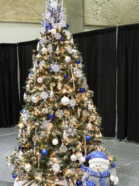 blue and white christmas tree pictures photos and images