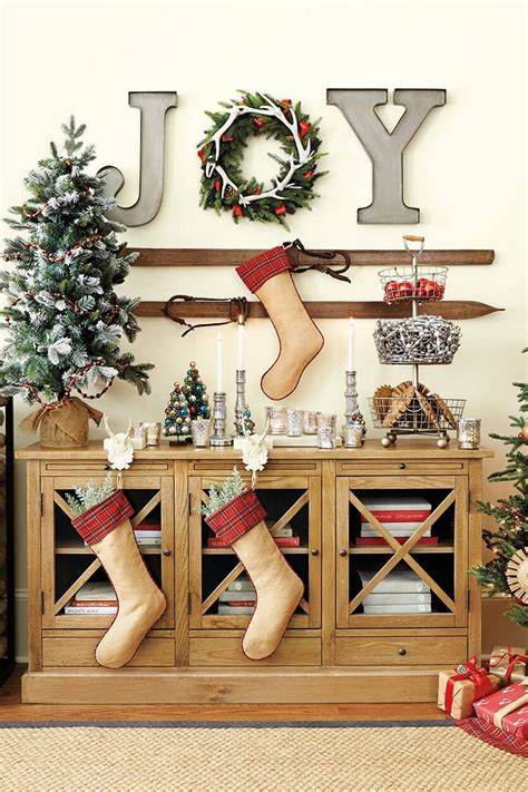 From framed photographs to contemporary wall art and wall stickers, we're bound to have wall decor ideas you'll want to use to transform your space. 35 Lovely and Fancy Christmas Wall Decor Ideas, Bring The Joy to Your Special Day