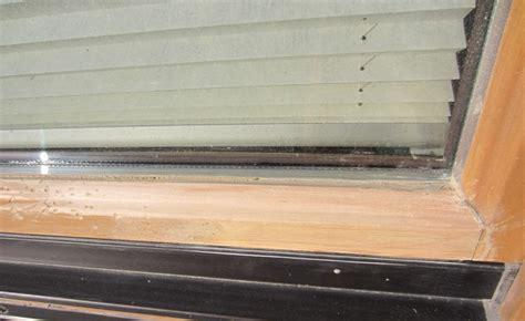 Alte Fenster Und Tueren Sanieren Lack Ab Holz Schuetzen by Alte Fenster Sanieren Fenster Erneuern Ab Wann Macht Eine