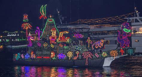 Newport Beach Annual Boat Parade by Newport Local News Smooth Sailing At Christmas Boat Parade