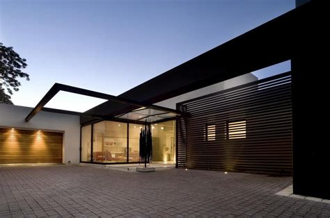 single storey home  flat roof  future vertical