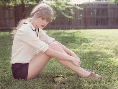Akuztik Addict!: STREAM: TAYLOR SWIFT'S NEW SONG!!