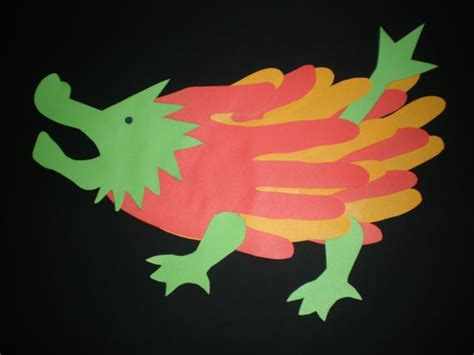 Knutselen Draak by Knutselopdrachten Nl Knutselen Draak Handjes