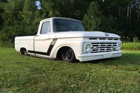 1957 Ford Truck F100 Tuong Lai