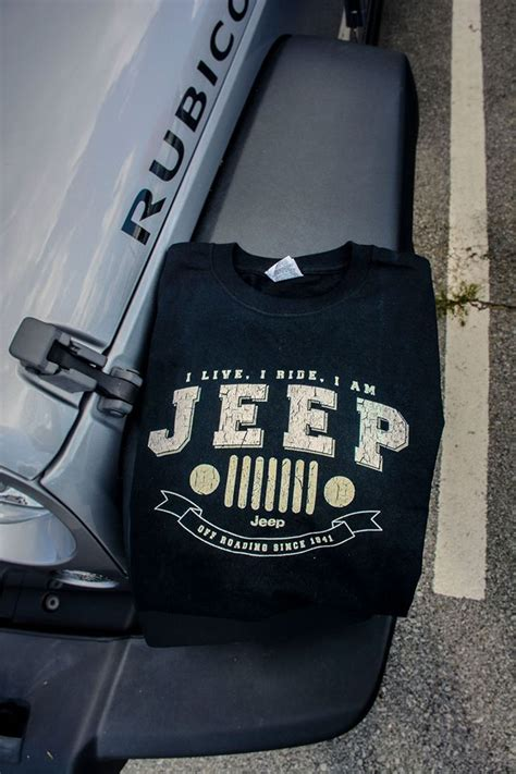 jeep christmas shirt 48 best jeep tee shirts hats images on pinterest