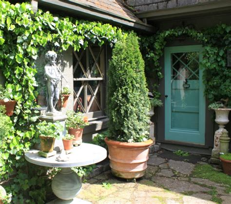 My Visit To A Storybook Gardener's Cottage
