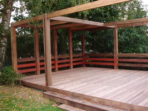construction de pergolas en bois pergolas pour apporter une touche tr 232 s singuli 232 re au jardin