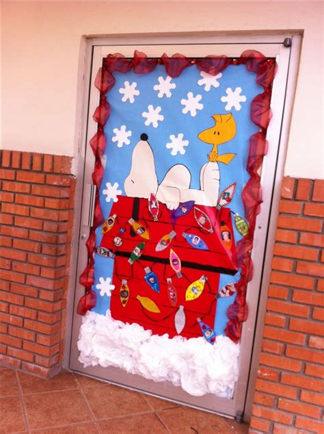 snoopy classroom door decorations snoopy door