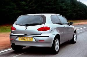 Avis Alfa Romeo 147 : alfa romeo 147 hatchback review 2001 2009 parkers ~ Gottalentnigeria.com Avis de Voitures