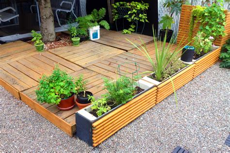 Cheap And Easy Yard Ideas Alkamediacom-helena-source