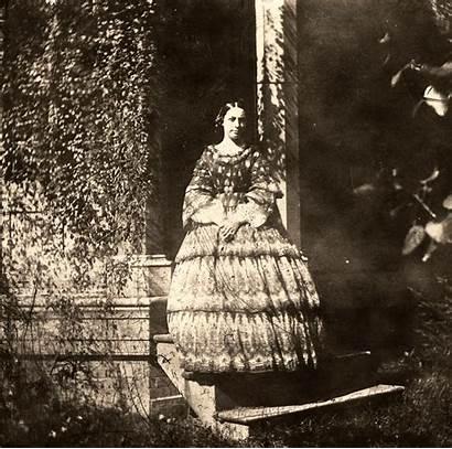 Woman Posing Stereoscopic Kentucky Photographic 1850 Steps