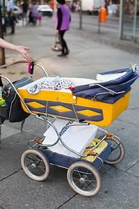 Kinderwagen Retro Style : familienstreetstyle aus berlin der retro kinderwagen glowbus ~ A.2002-acura-tl-radio.info Haus und Dekorationen