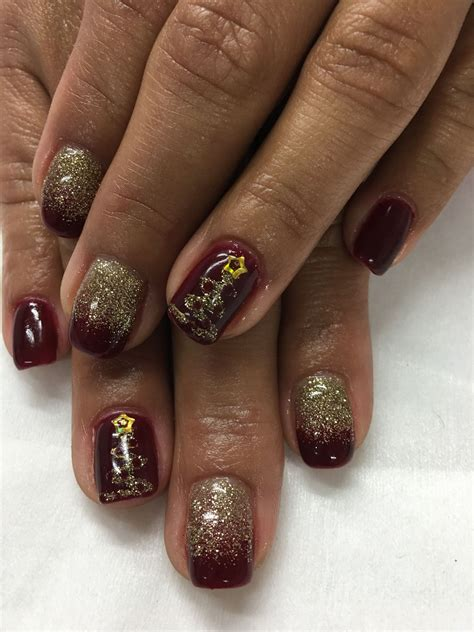 gold burgundy christmas tree gel nails gel nail designs
