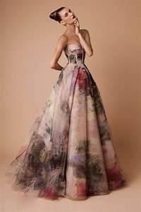 la robe de soiree 60 idees modernes archzinefr With tapis chambre bébé avec robe de soirée fleur