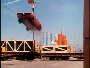 The Dukes of Hazzard: General Lee train jump and barrel ...