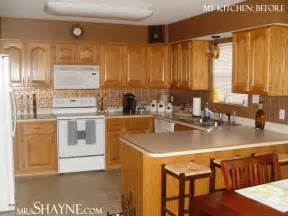 kitchen color ideas with oak cabinets oak kitchen cabinets casual cottage