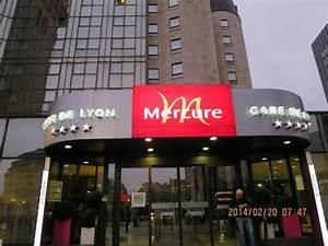 Hotel Mercure Paris Gare De Lyon : mercure gare de lyon avec la tour de l 39 horloge picture ~ Melissatoandfro.com Idées de Décoration