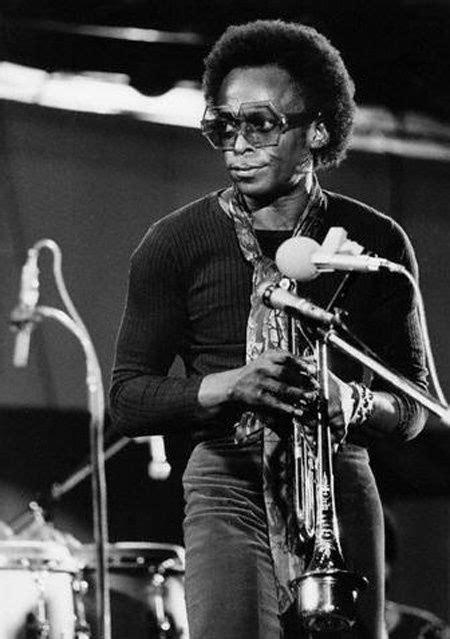 Miles Davis. repinned from Josue Calvo   Miles davis ...