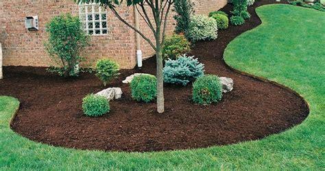 great reasons  mulch lush landshaping