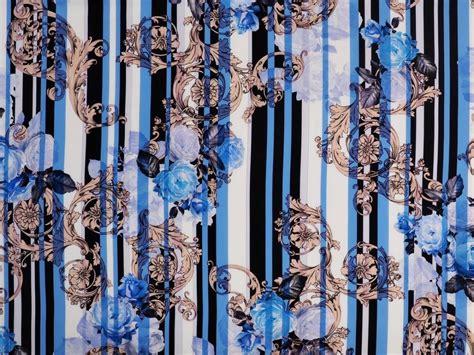 Jedwab krepa - Pionowe pasy, róże i ornamenty